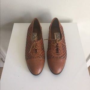 Shoes - Weaves leather oxfords